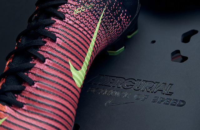 Első osztályú foci cipő