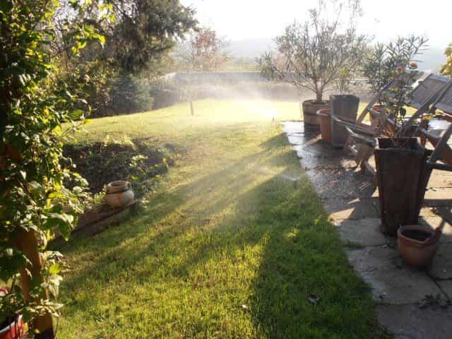 Jól szolgál az öntözéstechnika Szeged kertjeiben