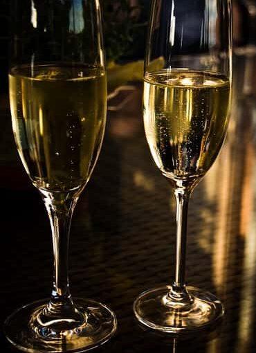 Mi a különbség a champagne és a pezsgő között?