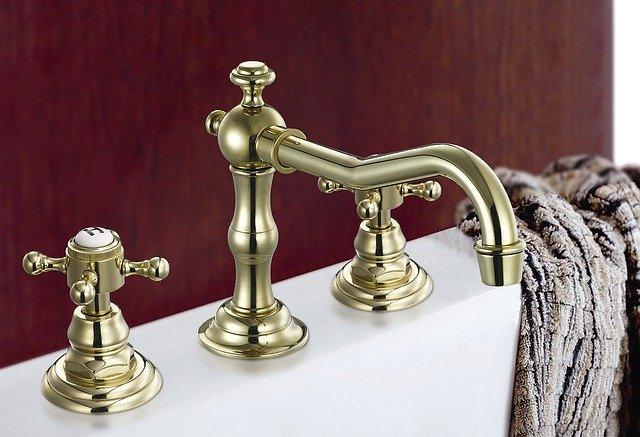 Íme a Mofém kádtöltő csaptelep zuhanyszettel együtt