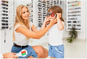 Mikor érdemes gyermekszemészeti rendelőhöz fordulni?